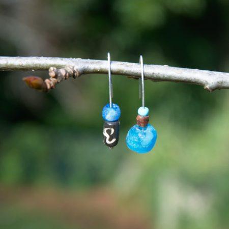 Pendientes étnicos de vidrio africano reciclado - Shuwa