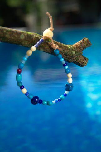 Pulsera de colores en tonos azules - Nemiña